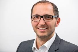 Der Vorstand der Walser Raiffeisen Holding. Dr. Andreas Gapp. Vorstand. Telefon +43 (5517) 20780-0. a.gapp@raiffeisenholding.at - index.php%3Frex_resize%3D340c__230h__andreasgapp_1