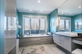 bathroom paint colorful