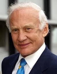Buzz Aldrin; Credit: Fstpnet In den Tagen vor und nach dem denkwürdigen 21. Juli 1969, an dem Buzz Aldrin kurz nach Neil Armstrong als zweiter Mensch den ... - Buzz-Aldrin-CR-Fstpnet